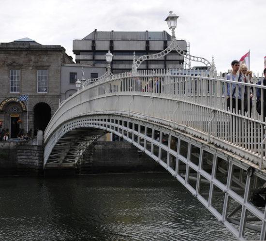 Dublin_by_Pedro-Citoler_Highlaender