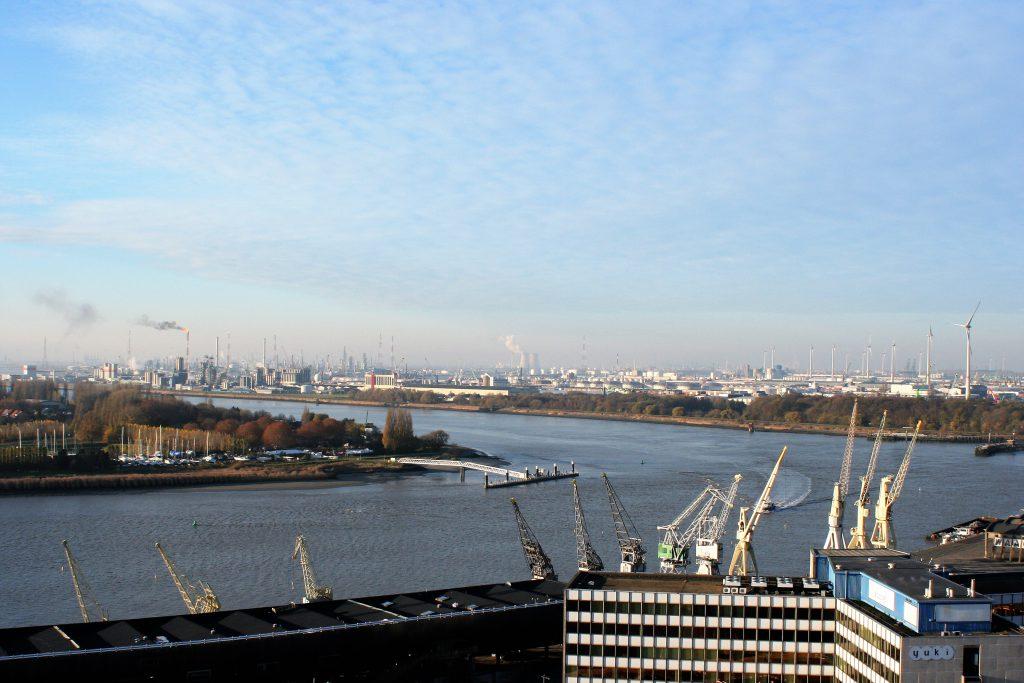 Antwerpen - HafenAnblick vom MAS